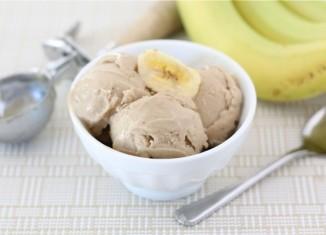 بستنی موز و کره ی بادام زمینی